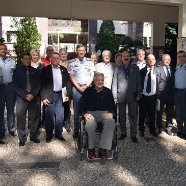 Comandante da Polícia Militar Nivaldo Restivo recebe Adepom em reunião no quartel do Comando Geral da PM